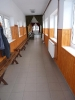Lambériázás az aulába vezető folyosón